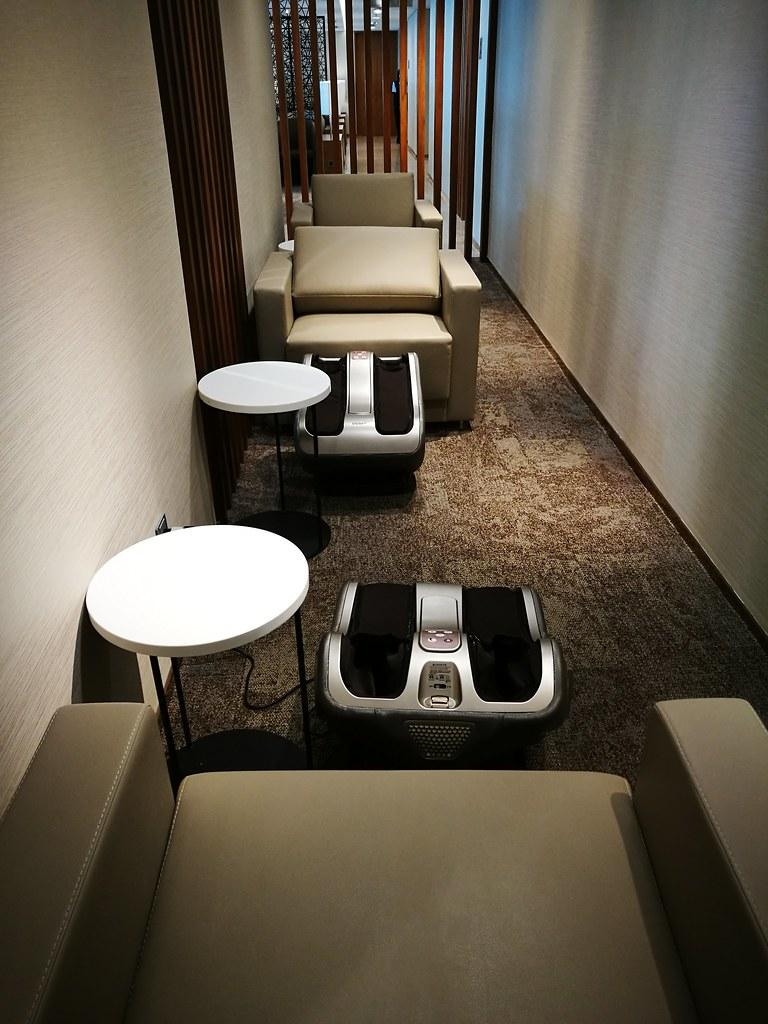 Foot massage machines