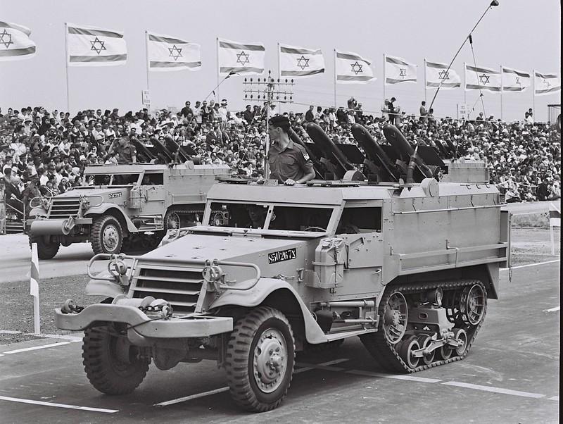 D735-082