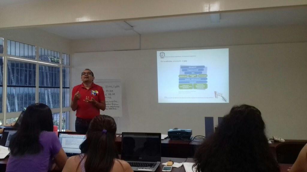 ISENCO realiza con éxito Semana de Capacitación Institucional  para docentes del nivel medio superior