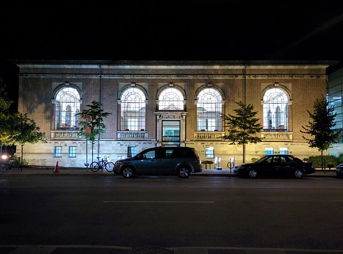 Bloor/Gladstone aglow #toronto #bloorcourt #bloorstreetwest #bloorgladstonelibrary #night #latergram