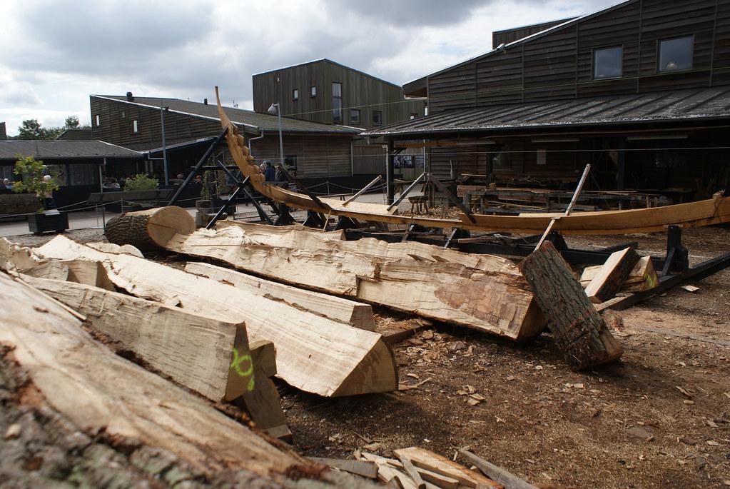 Chantier de construction dans le musée des bateaux viking à Roskilde.