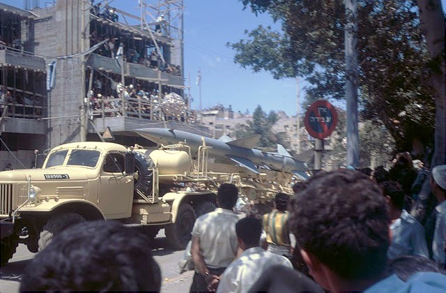 SA-2-parade-1968-q-idfa-2