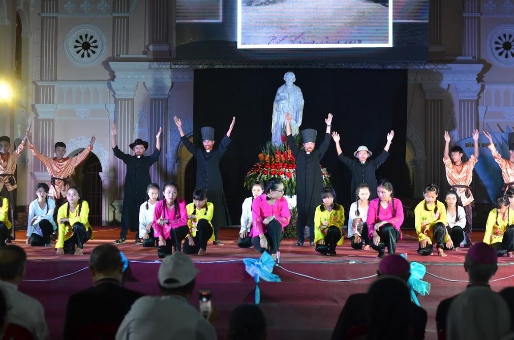 Hình ảnh đêm diễn nguyện mừng Năm Thánh