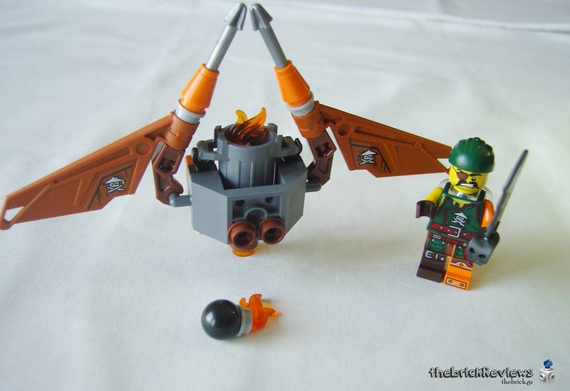 ThebrickReview: 70600 Ninja Bike Chase 35792912114_5a09ccfaed_c