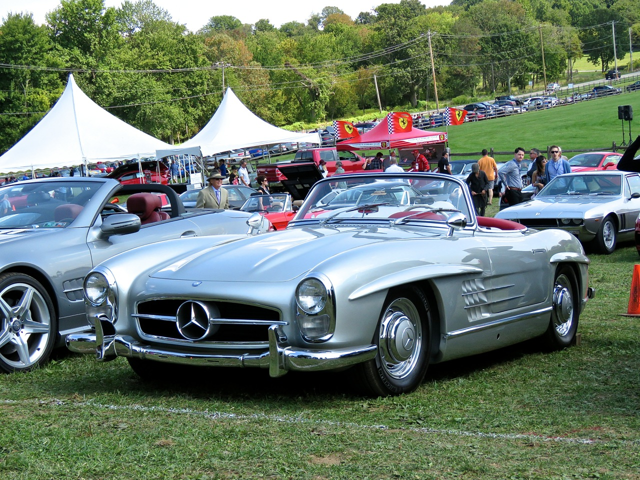 Mercedes 300SL Roadster Radnor Hunt