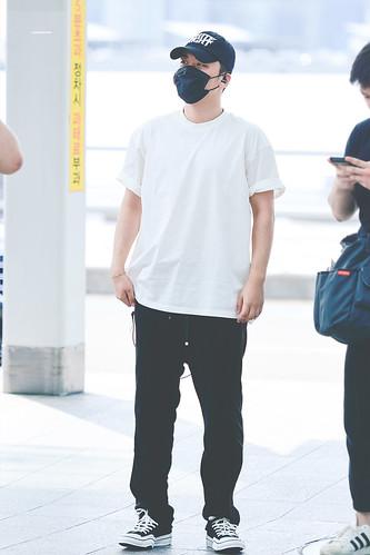 Seungri departure Seoul to KL 2017-08-11 (1)