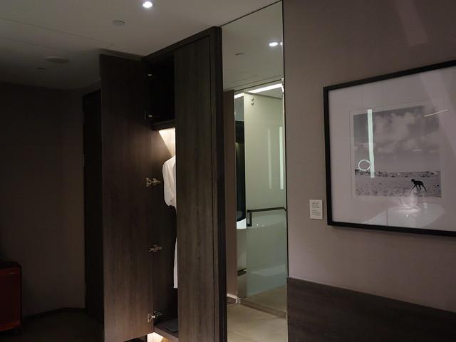 房內有穿衣鏡@高雄喜達絲飯店