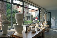 Le jardin de sculptures et les ateliers de plâtres (Fondation Arp, Clamart)