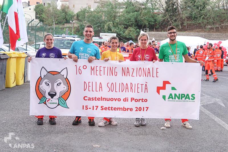 La sfilata dei volontari Anpas a Castelnuovo di Porto