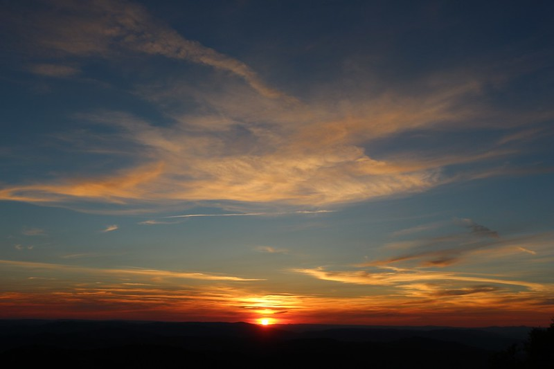 More sunset colors with just a touch of smoke, from the Dixie Butte summit