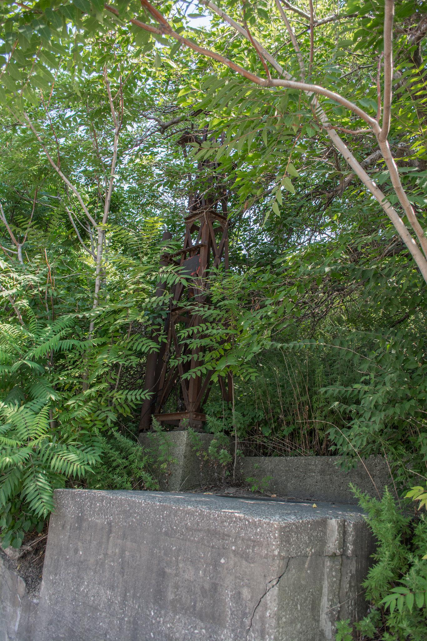 Jefferson Avenue bridge - abutment remains