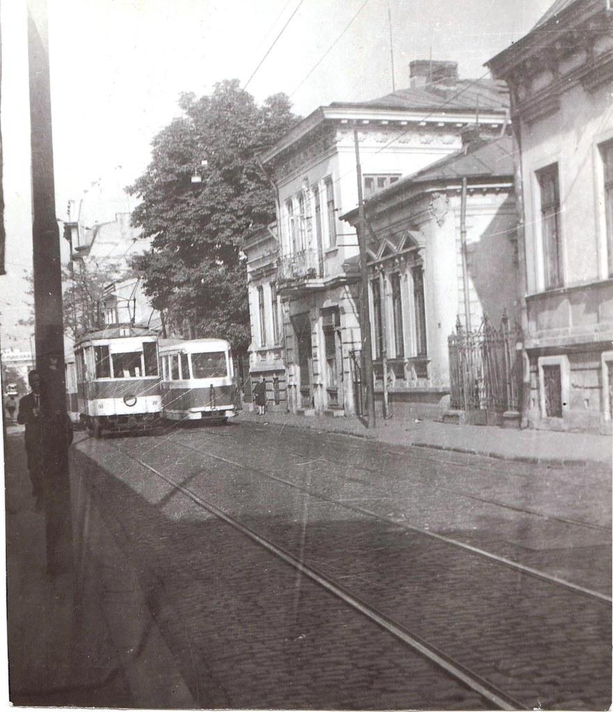 Fotografie veche, scanată (tramvaie pe calea Moşilor, Bucureşti, 1969) / Photo ancienne, scannée (trams, avenue Moşilor, Bucarest, 1969) / Old photo, scanned (trams, Moşilor road, Bucharest, 1969)