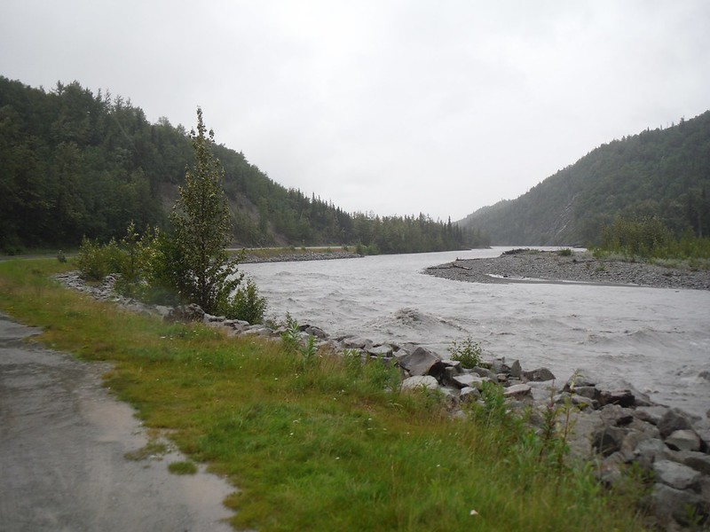 The Matanuska River flows by the road (Glenn Highway, which connects Parks Highway to Valdez)