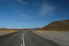 Дорога по вулканическим полям. Рейкьянес, Исландия