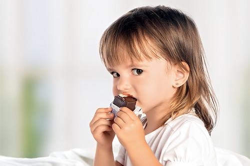 Чому сивіє шоколад?
