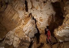Daniel dans la Grande salle de la Grotte de Vaux Les Prés