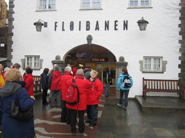 Floibanen_lower_station, Canon IXUS 115 HS