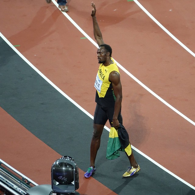 Usain Bolt acknowledges the, Sony DSC-RX10M3, Sony 24-600mm F2.4-4.0