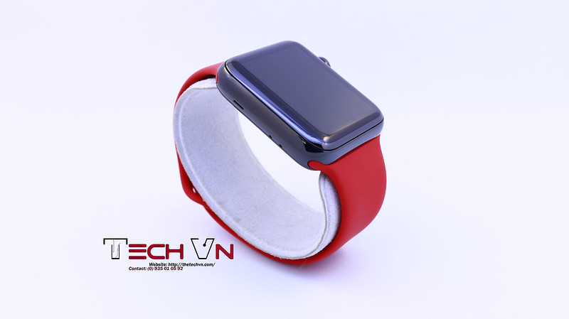 Apple watch s2 ss black with red sport band 01