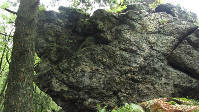 Ausewell Rocks - east outcrop
