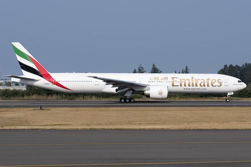 Emirates Boeing 777-300ER N6009F