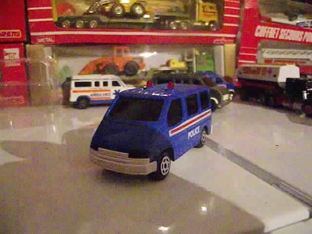 N°2306 Ford Transit Police. 36477503811_8b9ebae070_z