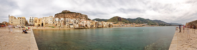 Cefalù and its ghosts, Canon EOS 6D, Canon EF 17-40mm f/4L