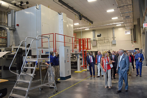 The Board of Governors and other campus leaders tour the new Nonwovens Institute on Centennial Campus.
