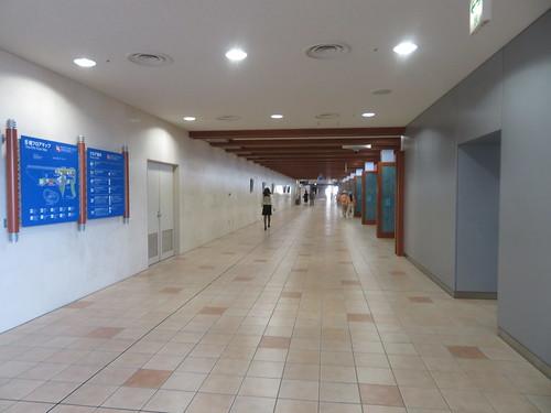 小倉競馬場の5階コンコース