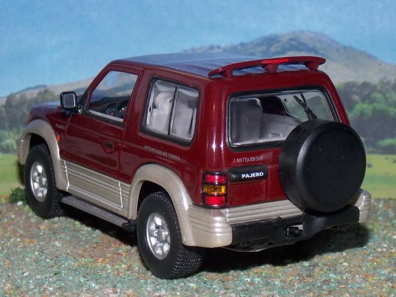 Mitsubishi Pajero SWB – 1992 - Minichamps