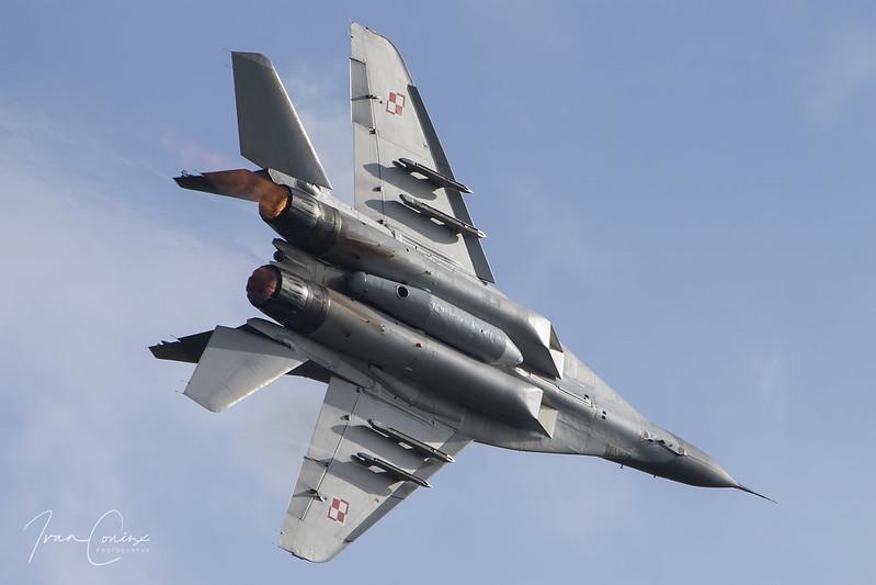 Mikoyan-Gurevich MiG-29A – Poland-Air Force – 70 – Leopoldsburg-Beverlo (EBLE) – Inflight – 01 – Copyright © 2017 Ivan Coninx