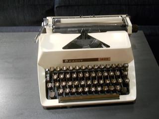 1970s-style typewriter