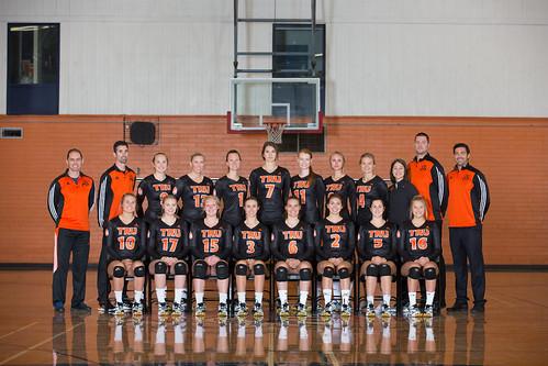 2017-18 WVB team shot (Snucins)