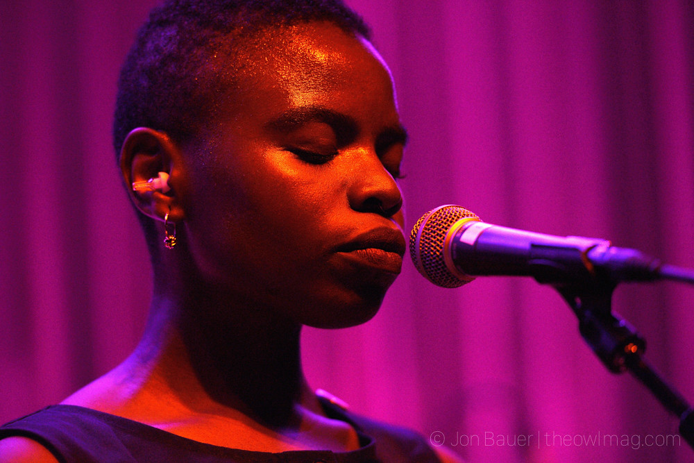 20170928 325 Vagabon at Swedish American Hall by Jon Bauer