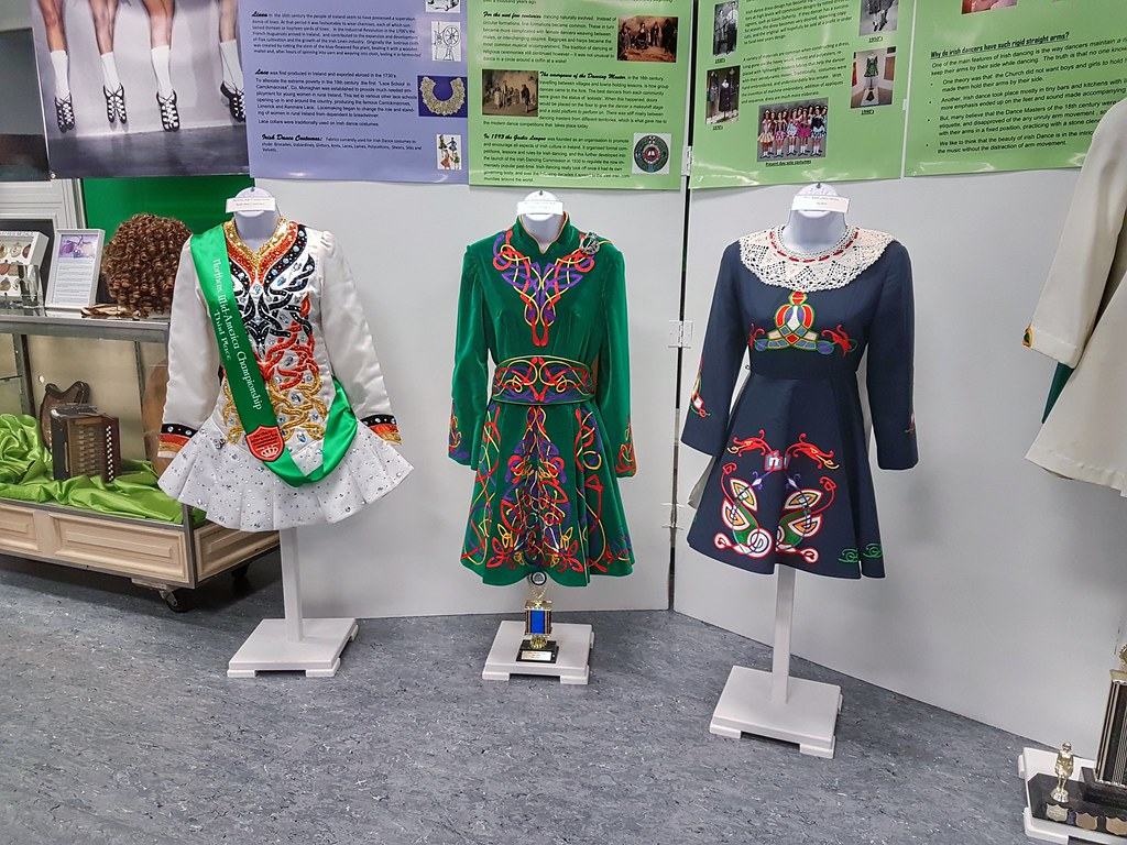 Irish pavilion Folklorama Irish dance history