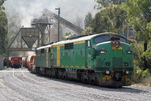 GMs Ballast train - Martins Creek.