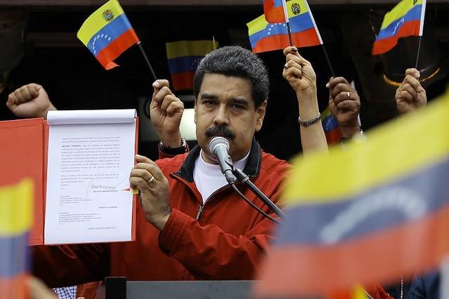 Após bloqueio dos EUA, Maduro e Assembleia Constituinte preparam plano econômico