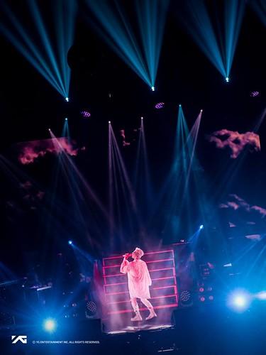 Taeyang WHITE NIGHT in Chicago 2017-09-03 (7)