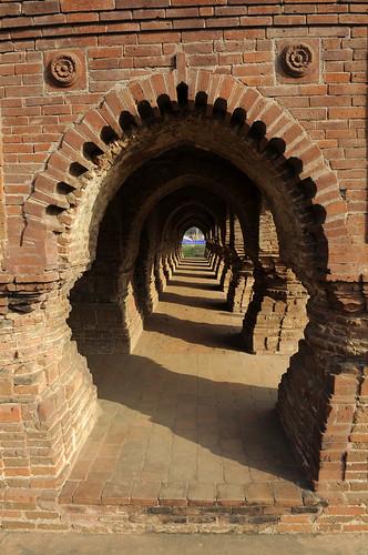 inde india bengale temple brique toitpyramidal raschmansha bishnupur religion hindu hindou hindouisme cinéma hinduism