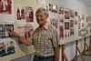 Hans Mathis entdeckte in der Heimatausstellung seine Mutter auf einem Gruppenfoto mit dem Kirchenchor