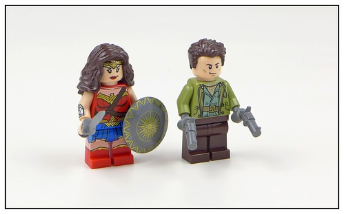 LEGO DC Super Heroes 76075 Wonder Woman Warrior Battle 11