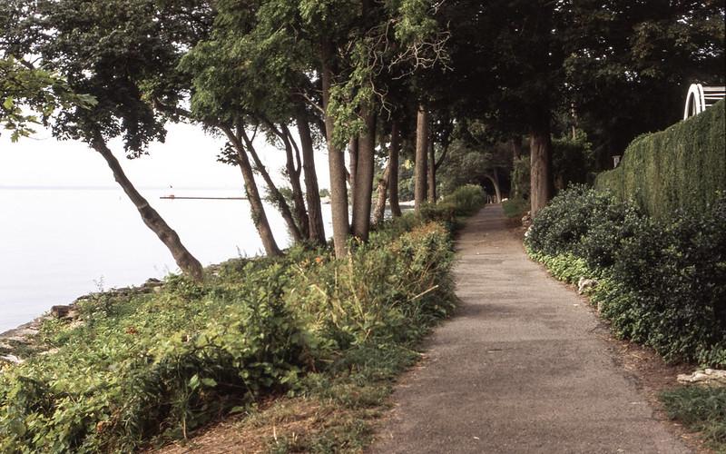 Dingle Park Path Looking West_
