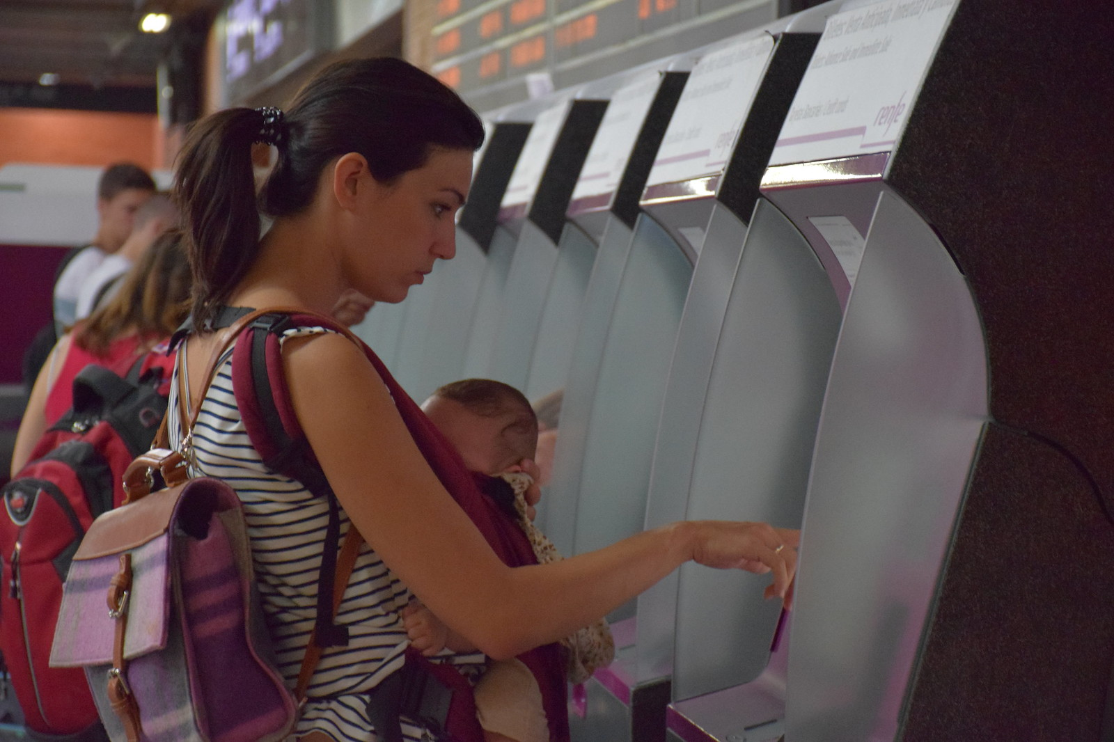 Imprimiendo los billetes en la estación.