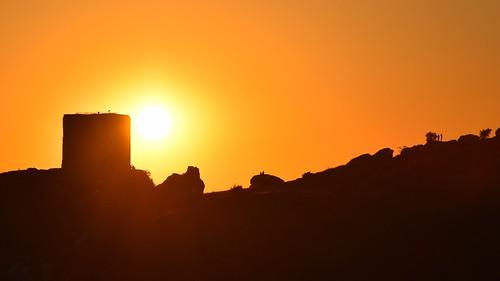summer mood sulhouettes people landscape view sun sunset colours black orange castle ruins royalcastle olsztyn częstochowa polska poland building architecture