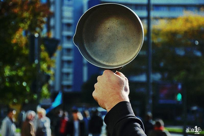[30 Septembre 2017] – Un jour, une photo, un son… Casserolade matinale contre la loi travail