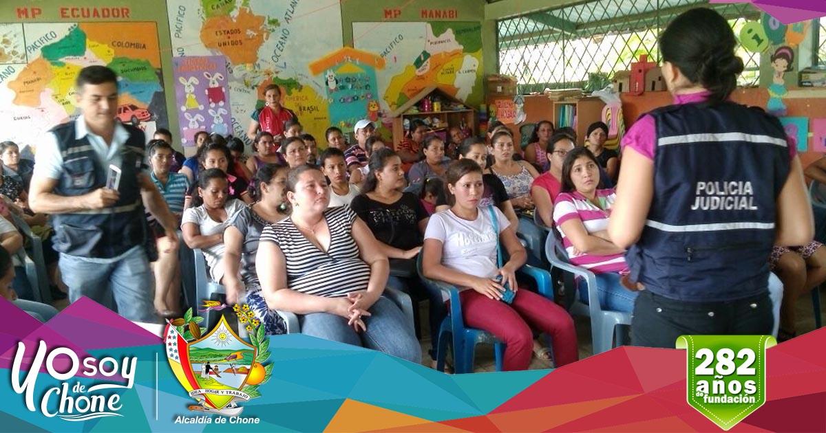 Alcaldía de Chone brindó capacitación a padres y madres de familia de Eloy Alfaro