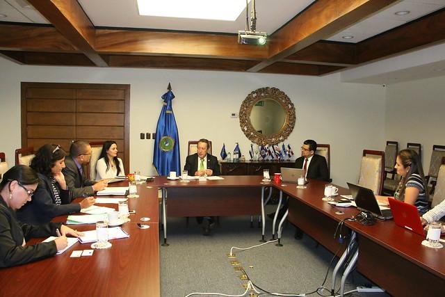 Secretario General del SICA recibe propuesta para el fortalecimiento de la cooperación con la Unión Europea