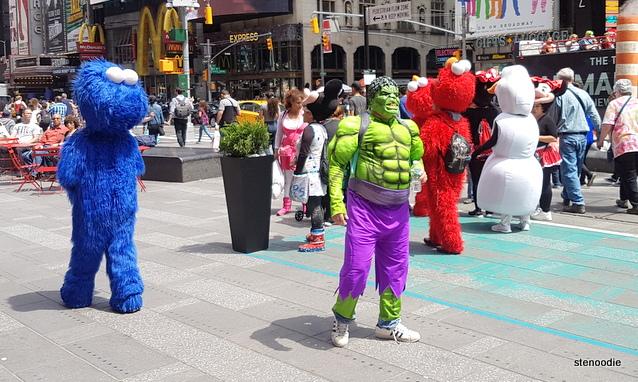 Hulk street performers