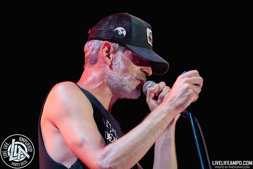UB40-Matisyahu-Rock-n-Roll-Wine-Live-Life-Amplified-Party-Deck-by-Fred-Morledge-PhotoFM-2017-075