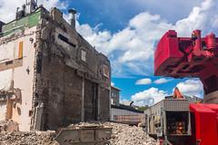 Baustelle mit Bagger auf dem Rudolfplatz Köln